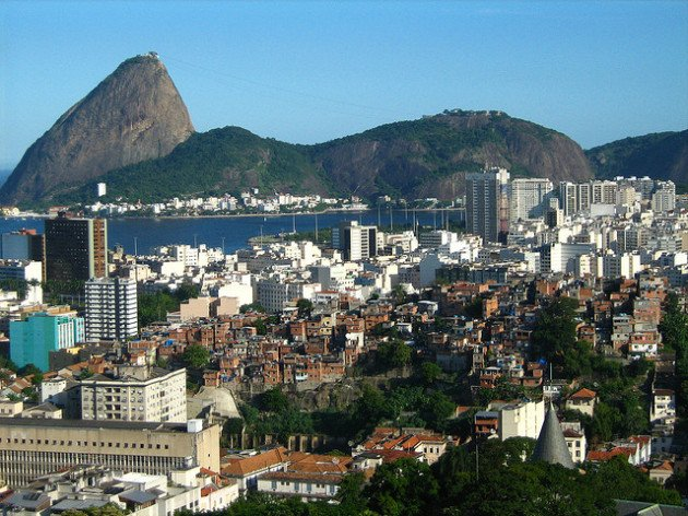 Contrastes sociais no Brasil. Foto: Leonardo Alves