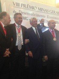 Sacha Calmon recebe prêmio